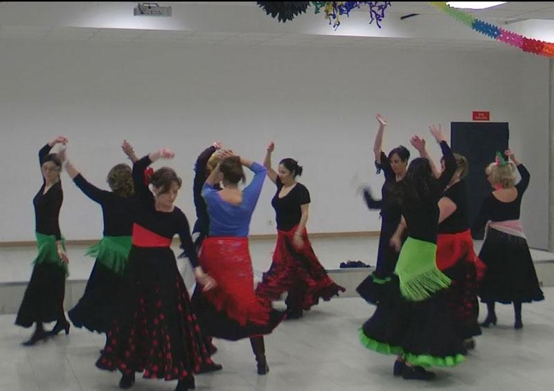 Sevillanas en pareja y corro - Mucho Más Que Baile