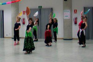 bf0ace386e Baile por Sevillanas